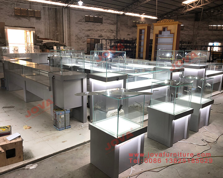 custom display cases for jewelry stores