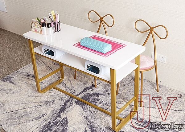 white manicure table